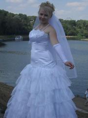свадебное платье(р.46-48),  фату и перчатки